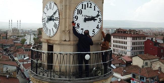 Saat Kulesinin Kadramları Yenileniyor