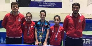 Candan, Masa Tenisi'nde Türkiye birincisi
