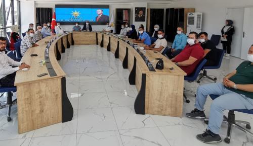 """""""AK Parti Kökleri Sağlam Bir Siyasi Harekettir"""""""